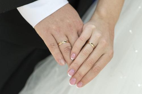 cerca genuino ottima qualità ottima qualità La fede nuziale: perché si porta al quarto dito sinistro ...